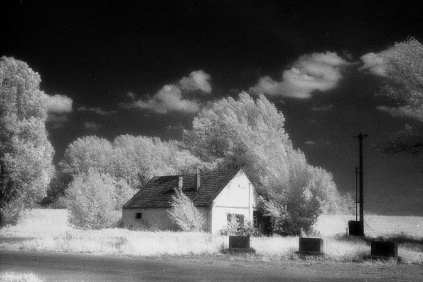 Infrared picture of a hut